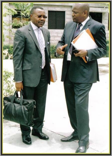 Au cabinet votre avocat est disponible - Monsieur le directeur de cabinet ...